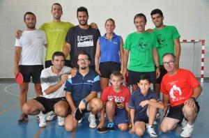 Gloria Panadero con los jugadores del CTM de Ayamonte Conservas Concepción.