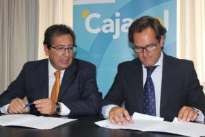 Convenio entre la Fundación Cajasol y el Recreativo de Huelva.