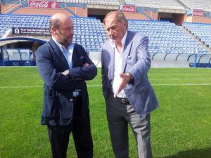 Tony Grande, segundo técnico de la Selección Española de fútbol, con Pablo Comas.