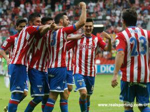 Jugadores del Sporting de Gijón celebrando un gol.