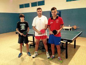 Jugadores del Asem Hispanidad de tenis de mesa.