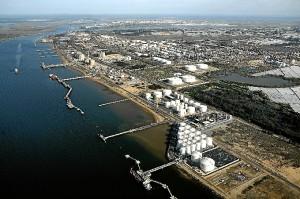 Vista aerea de las instalaciones de CEPSA en Huelva