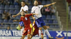 Manu Molina ante el Tenerife.