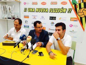 Miembros de la directiva del CD San Roque de Lepe.