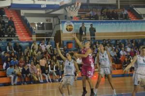 María Asurmendi fue la mejor del partido, con 25 puntos y 30 de valoración. (Tenor)