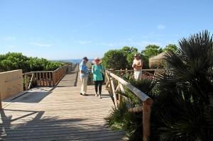El sector turístico en verano no compensa en Huelva el final de la campaña de los frutos rojos y de ahí el incremento del paro en el tercer trimestre.