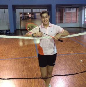 Carolina Marín entrenando en el polideportivo Andrés Estrada.