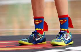 Andrea Alcántara, del CB Conquero, con calcetines de Superman.