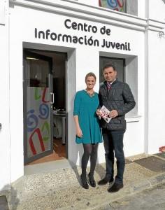El alcalde y la concejala dieron a conocer el nuevo proyecto