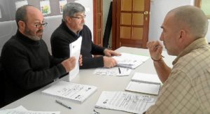 Grupo IU prepara el Pleno - copia