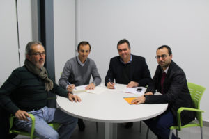 Firma del convenio de colaboración entre el Ayuntamiento de La Palma del Condado y La Palma CF.