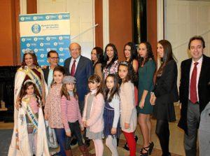 Foto de familia tras la presentación.