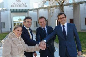 Convenio entre Heineken, Coca Cola e Hipercor con la Universidad de Huelva.