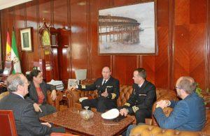 Visita comandante del buque Cazadora a la presidenta Puerto  Huelva