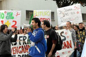manifestacion huelva contra proyecto 3+2-003