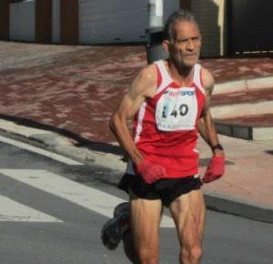 Julio Fernández, atleta veterano ayamontino.