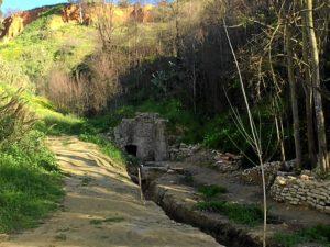 Alrededores restos acueducto y 'Fuente Vieja'.jpg