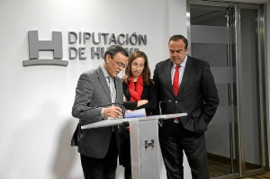 Foto convenio Santander