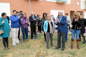 Primera piedra nueva sede de Aones (2)