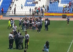 Jugadoras del Cajasol Sporting celebrando la Copa de la Reina.