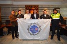 Bandera de los VI Juegos Europeos de Policías y Bomberos en Punta Umbría.
