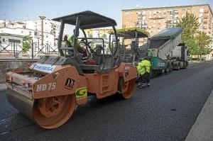 Inicio asfaltado calles Isla Chica mayo 15 (5)