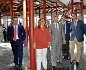 La Alcaldesa ha mostrado al Rector el edificio