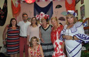 La Alcaldesa y la Teniente de Alcalde junto a la presidenta de Las Matildas y otras socias