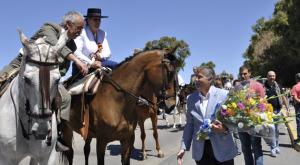 Ofrendal floral del Recreativo a Emigrantes y Huelva.