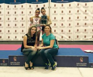 Lucía Paiseo y Angela Martin, gimnastas del Rítmico Colombino.