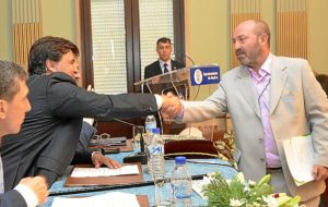 Cruz nuevo alcalde Huelva (1)