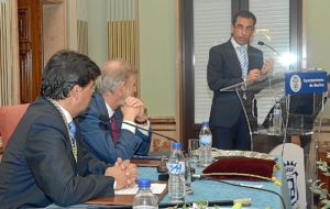Cruz nuevo alcalde Huelva (2)