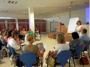 escuela de pacientes complejo hospitalario de Huelva-29