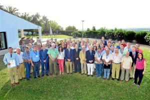 150709. El presidente de Caja Rural del Sur con los gestores de Cooperativas que han asistido al curso impartido por San Telmo en Antequera