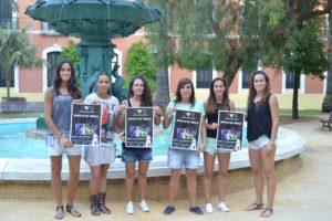 Jugadoras del Fundación Cajasol Sporting presentando la campaña de socios.