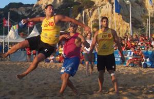 Balonmano playa en Mazagón.