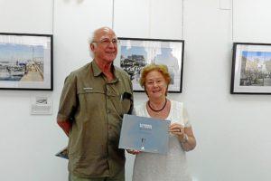 Manuel Carbajal junto a Carmen Ciria.