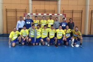 Julio Bermúdez, (arriba a la izquierda), es el nuevo entrenador del PAN Moguer.