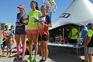 deportes carrera playera podio femenino