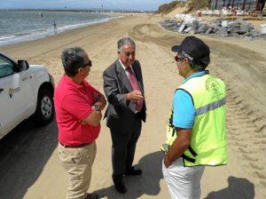 20150915 Subdelegado trabajos Costas en playa Isla Canela