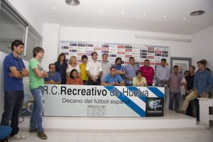 Empleados del Recreativo de Huelva.
