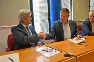 Firma Convenio Cepsa Ayuntamiento de Palos