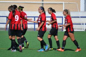 Jugadoras del Fundación Cajasol Sporting celebrando la victoria.