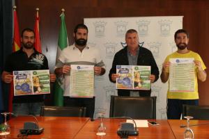 Programa de senderismo, pádel y fútbol sala en Cartaya.