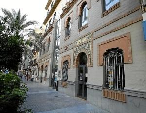 Edificio de la Gota de Leche en Huelva.