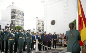 Isla Cristina Momento de la izada de la Bandera en la Plaza de la Paz de la localidad