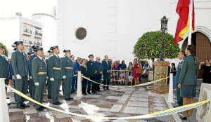 La Alcaldesa isleña, a la derecha, junto al presidente del consejo, el Hermano Mayor de los 33 y la representante de la Sacramental de la Virgen del Mar