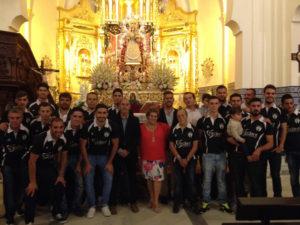 Ofrenda floral del Isla Cristina CF a la Virgen del Rosario de dicha localidad.
