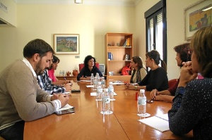 reunion refugiados 02