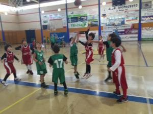 Concentración de peques de baloncesto en La Palma del Condado.